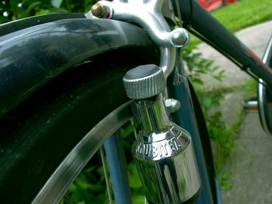 Dynamo monterad på cykel